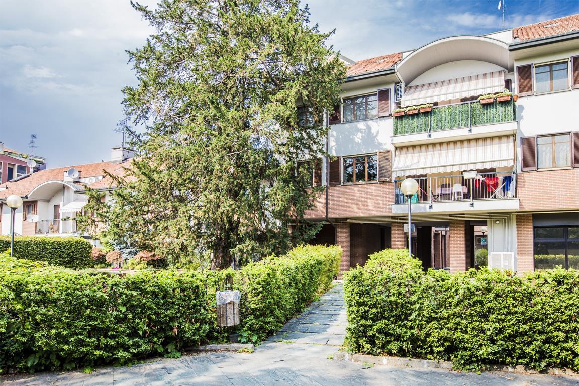 Appartamento in vendita a san donato milanese via parri for Case in vendita san donato milanese
