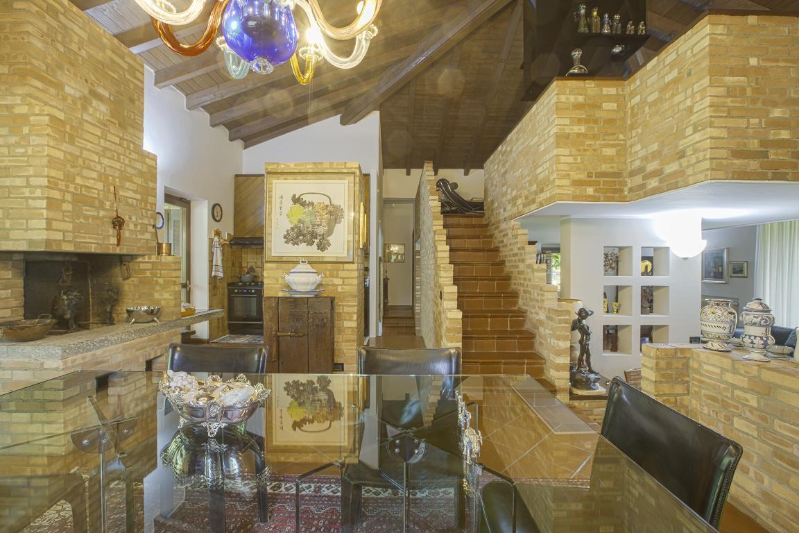 Villa in Vendita a Vizzolo Predabissi: 5 locali, 520 mq