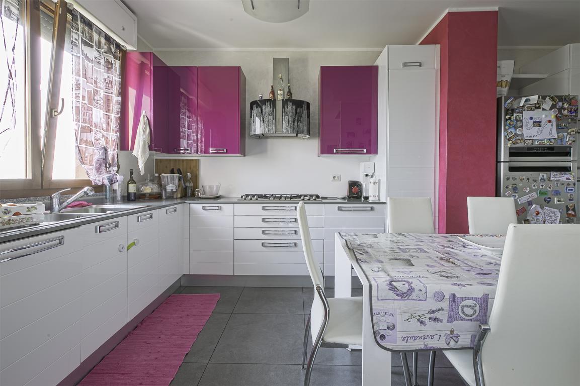 Appartamento in Vendita a San Giuliano Milanese: 4 locali, 121 mq