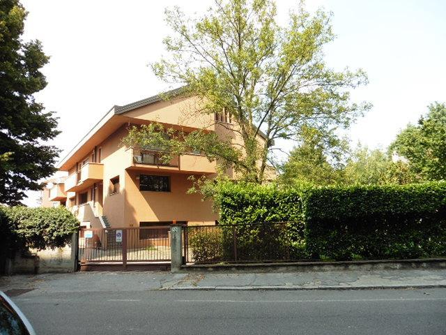 Ufficio-studio in Affitto a Monza: 300 mq  - Foto 1