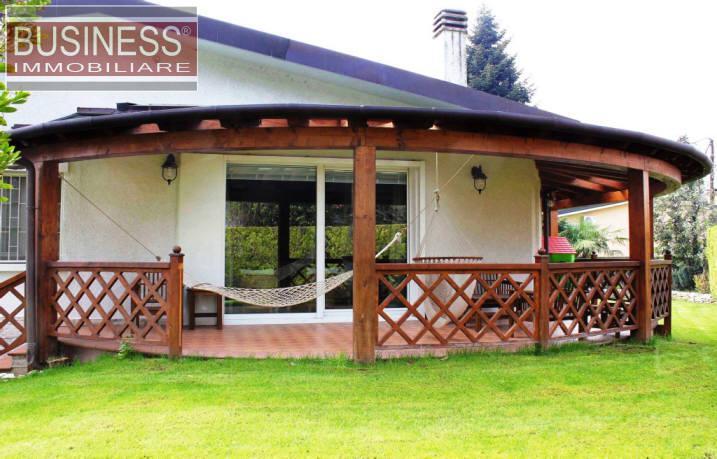 Villa in Vendita a Cassina De'Pecchi: 5 locali, 400 mq