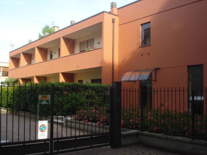 Appartamento in Affitto a Monza: 1 locali, 35 mq