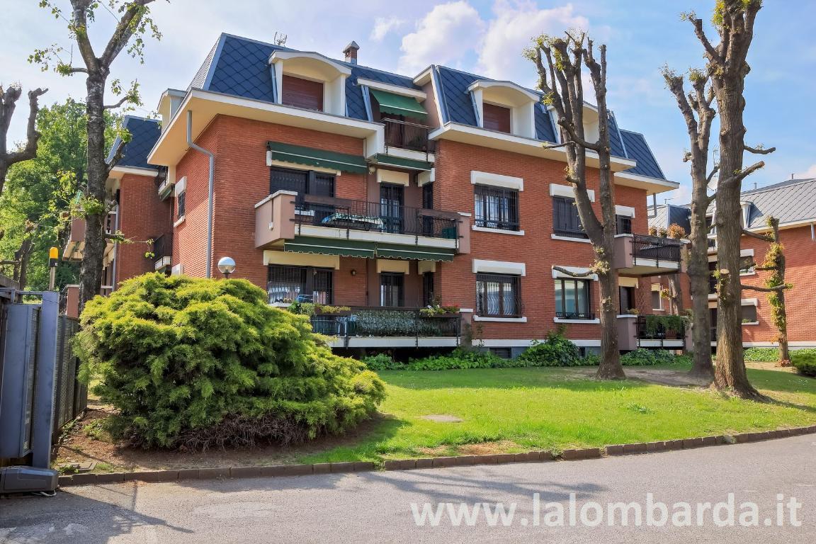 Appartamento in Vendita a Inverigo: 3 locali, 95 mq