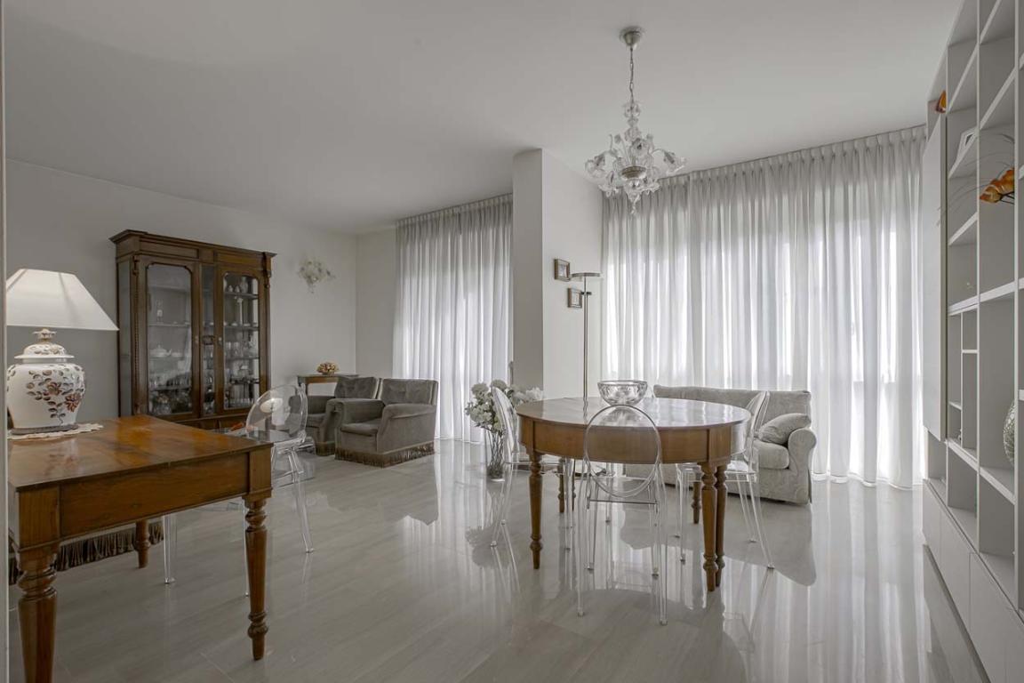 Appartamento in Vendita a San Donato Milanese:  5 locali, 180 mq  - Foto 1
