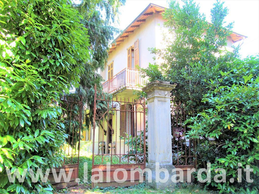Villa in Vendita a Olgiate Comasco: 4 locali, 210 mq