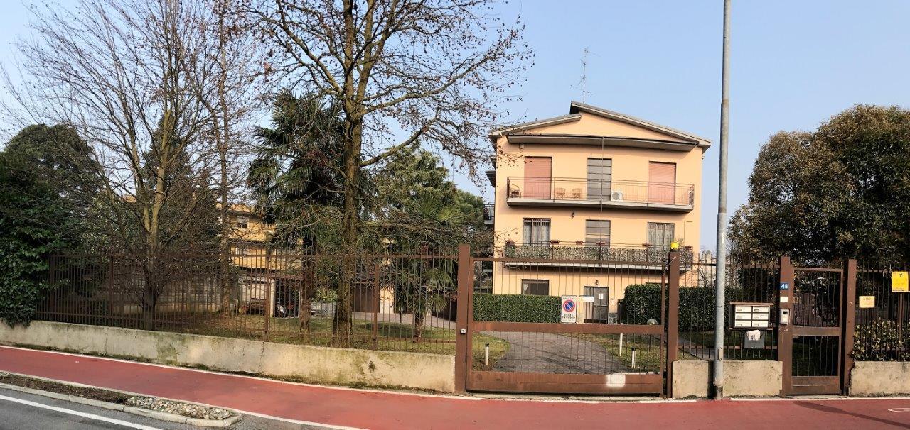 Attico in Vendita a Vedano Al Lambro: 2 locali, 80 mq