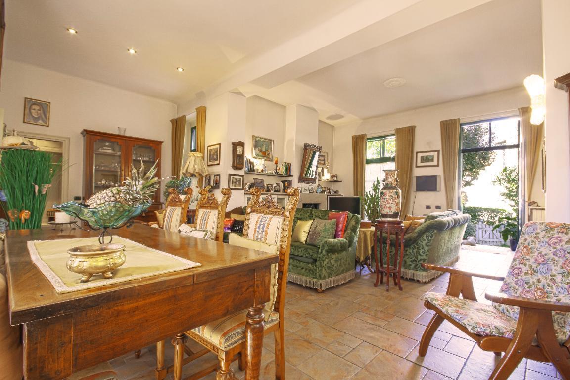 Villa in Vendita a San Giuliano Milanese: 5 locali, 348 mq