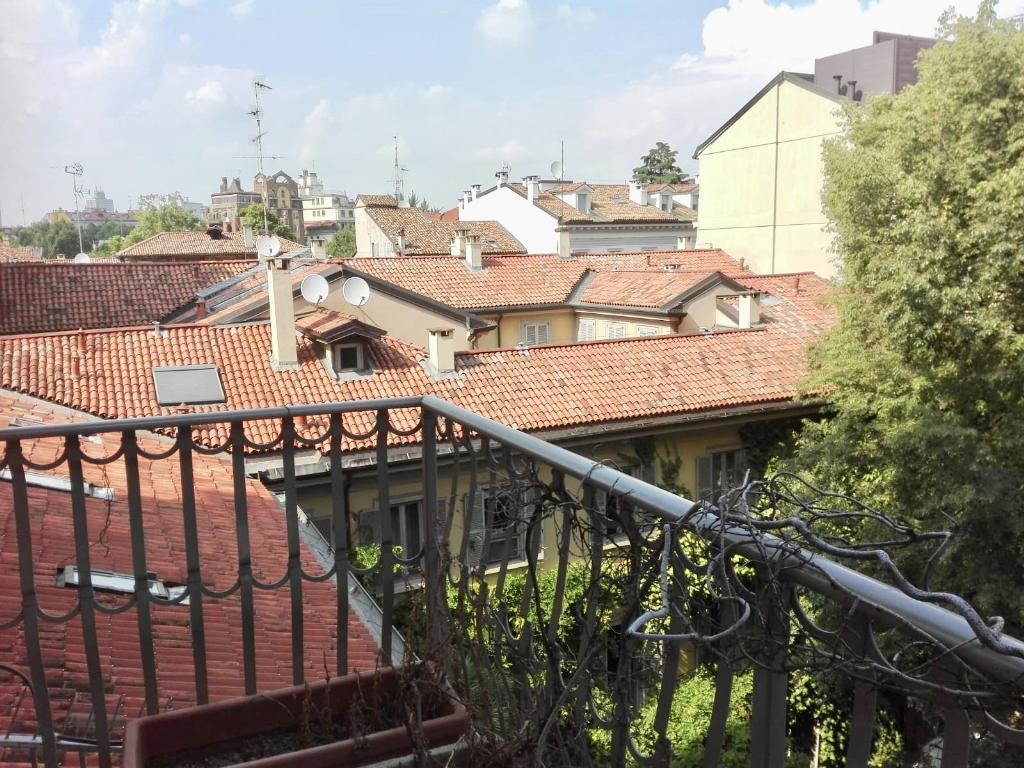 Appartamento in Affitto a Milano 01 Centro storico (Cerchia dei Navigli): 4 locali, 280 mq