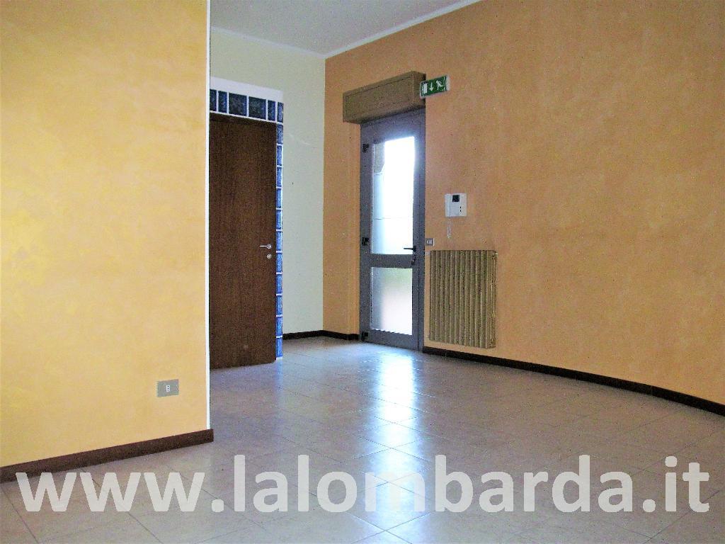 Ufficio-studio in Vendita a Seregno: 2 locali, 60 mq