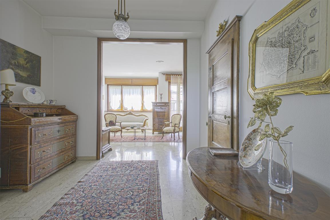 Appartamento in Vendita a San Donato Milanese: 4 locali, 162 mq