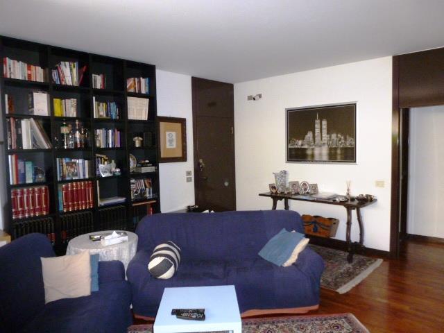 Appartamento in Vendita a Basiglio: 3 locali, 150 mq