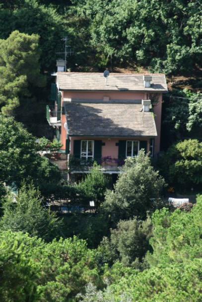 Villa in Vendita a Rapallo: 5 locali, 280 mq