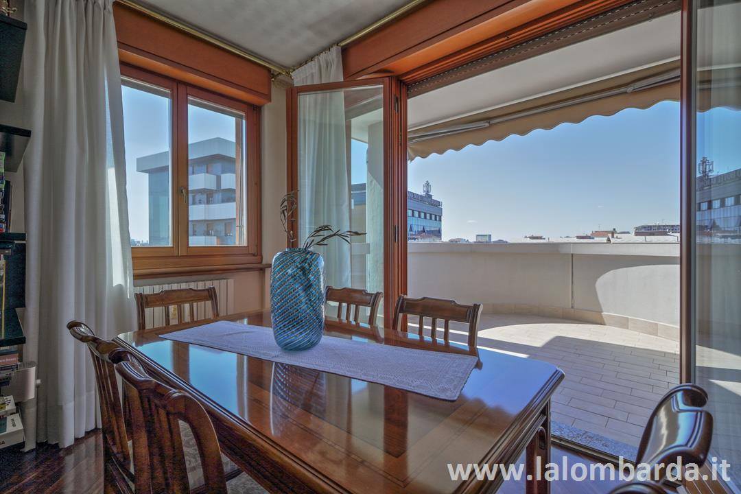 Appartamento in Vendita a Sesto San Giovanni: 5 locali, 220 mq