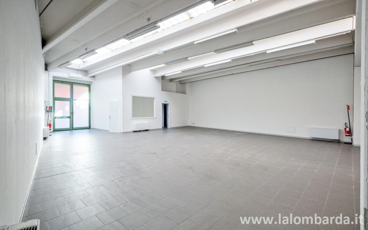 Laboratorio in Vendita a Monza: 200 mq