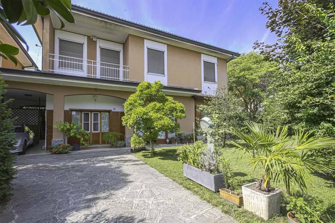 Villa in Vendita a San Giuliano Milanese: 5 locali, 240 mq
