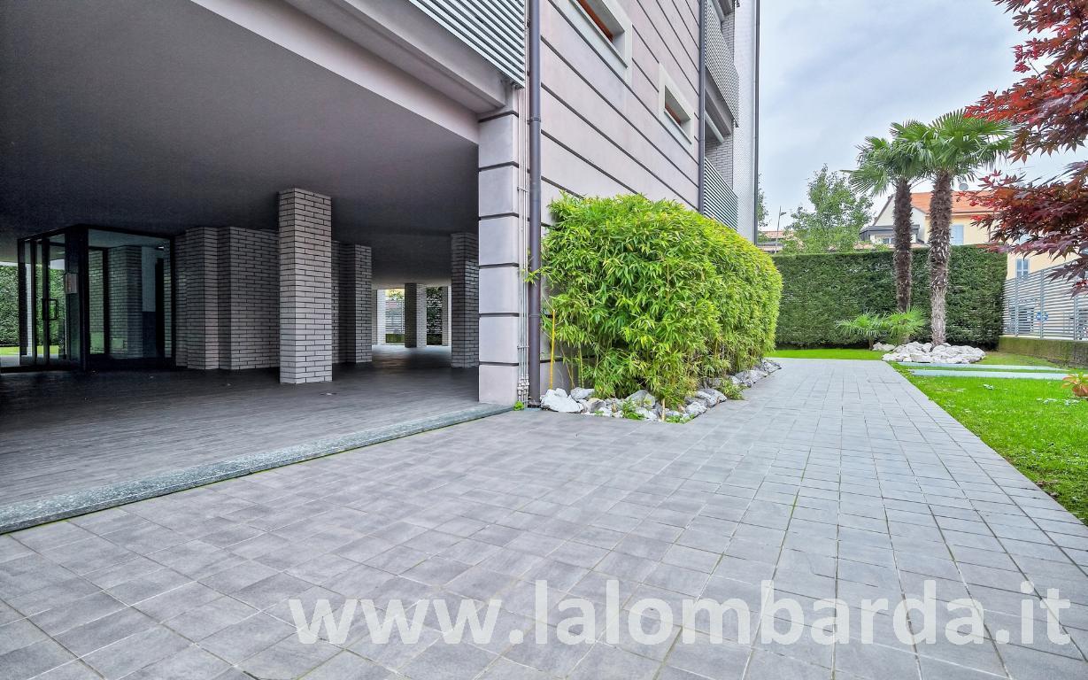 Appartamento in Vendita a Monza: 2 locali, 63 mq