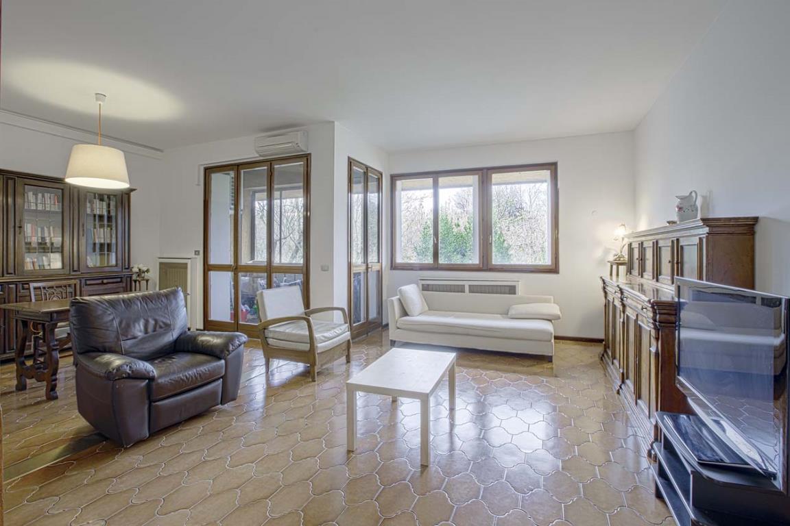 Appartamento in Vendita a San Donato Milanese: 3 locali, 115 mq