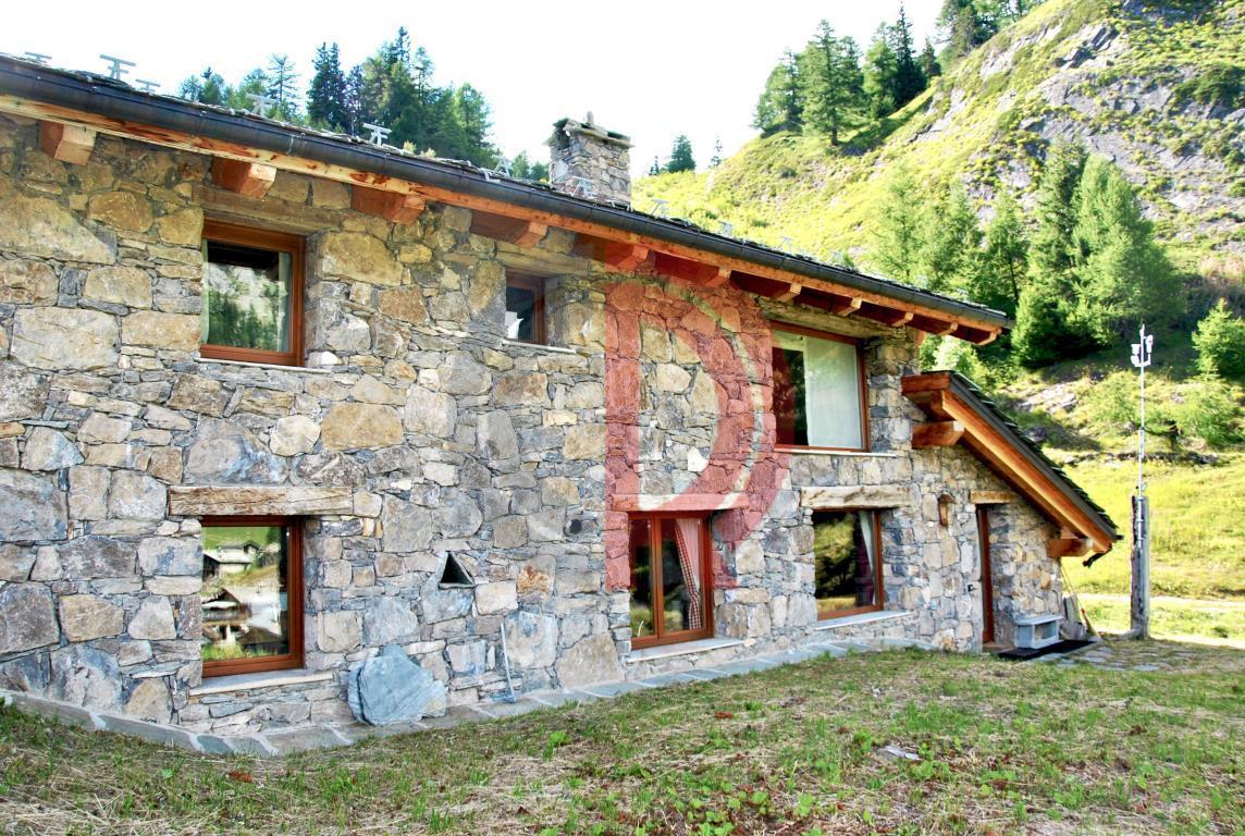 Casa indipendente in Vendita a Courmayeur pra neyron