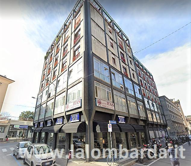 Ufficio-studio in Vendita a Monza:  5 locali, 199 mq  - Foto 1