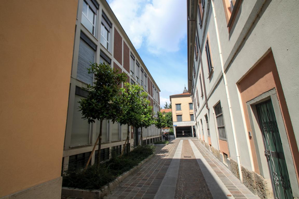 Vendita  bilocale Monza Via Moriggia 10 1 998994