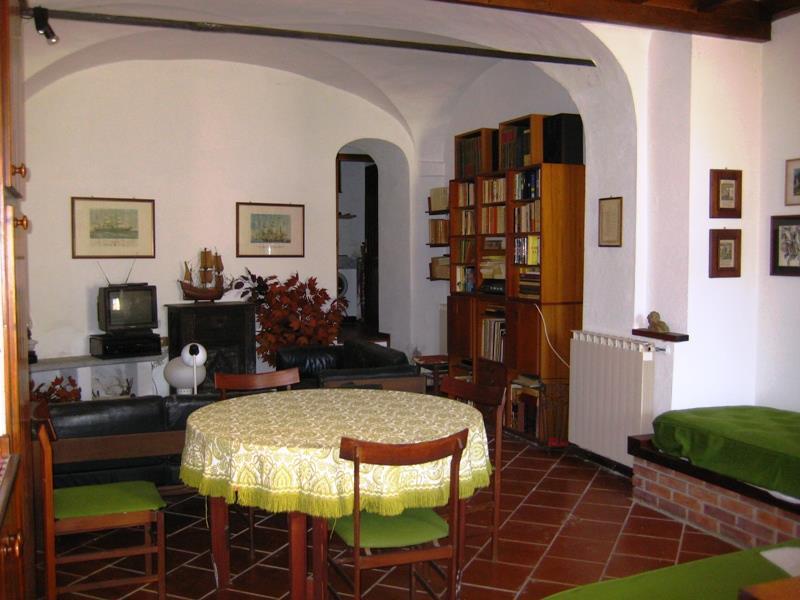 Bilocale Ramponio Verna Via Cavour 1 3