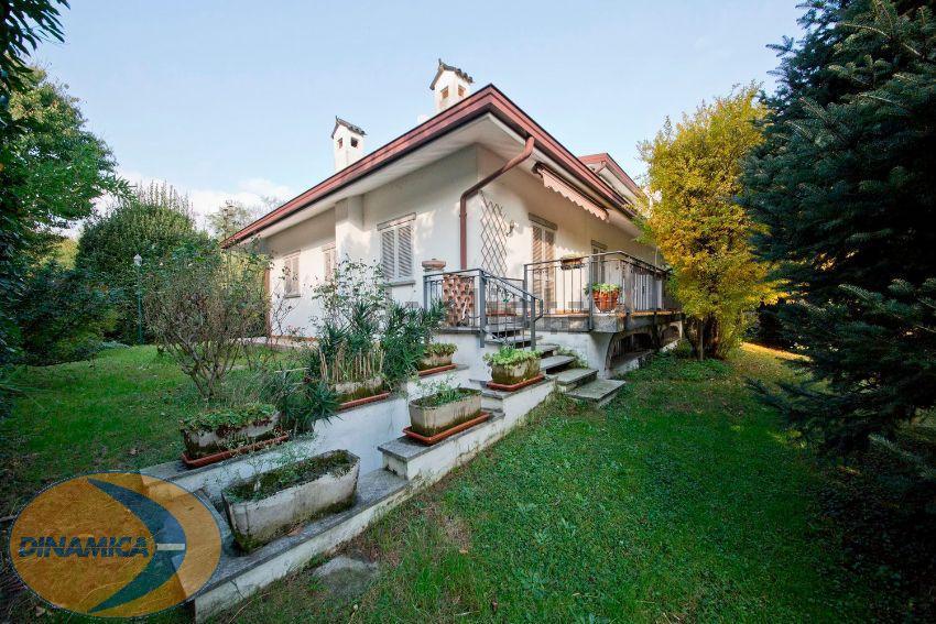 Villa in vendita a Sirone, 6 locali, zona Località: Collinare, prezzo € 590.000   Cambio Casa.it