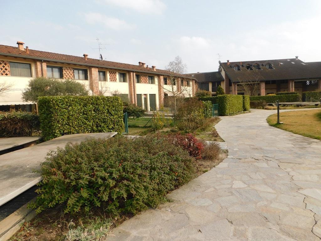 Appartamento, via Mezzabarba, Vendita - Lodi (LO)