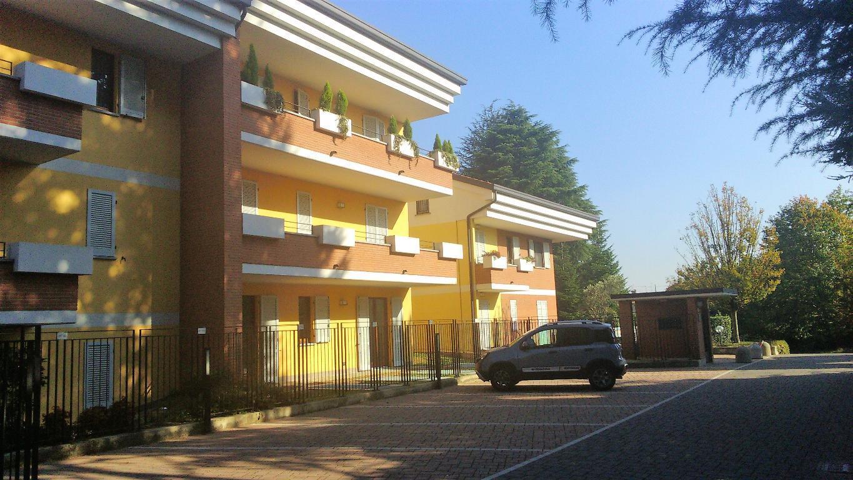Appartamento in vendita a Monticello Brianza, 3 locali, zona Località: Semicentrale, prezzo € 225.000 | CambioCasa.it