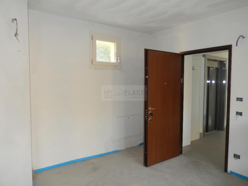 Appartamento in vendita a Lecco, 2 locali, prezzo € 177.000 | Cambio Casa.it