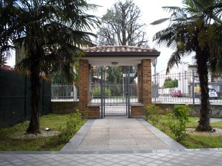 Bilocale Cesano Maderno Via Valsassina 1 2