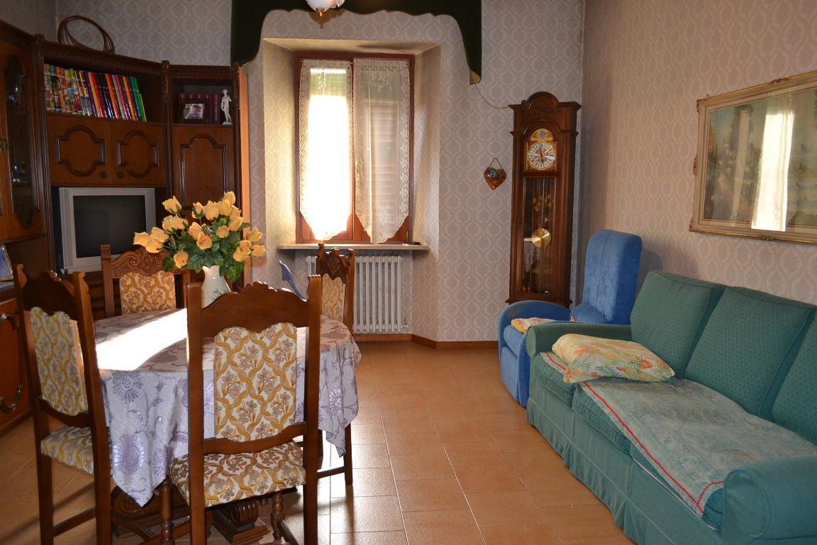 Appartamento in vendita a Brivio, 4 locali, zona Zona: Beverate, prezzo € 89.000 | Cambio Casa.it
