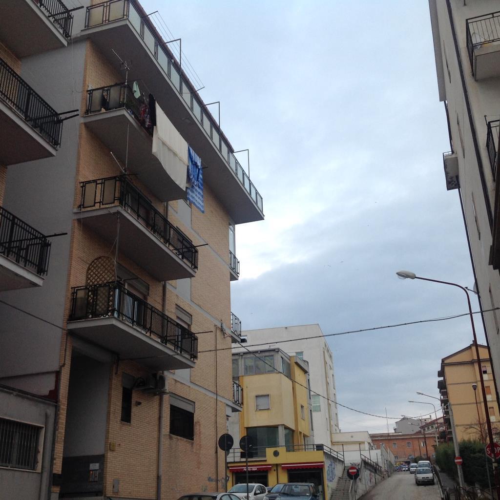 Appartamento, VIA DE SANTIS, Vendita - Campobasso (Campobasso)