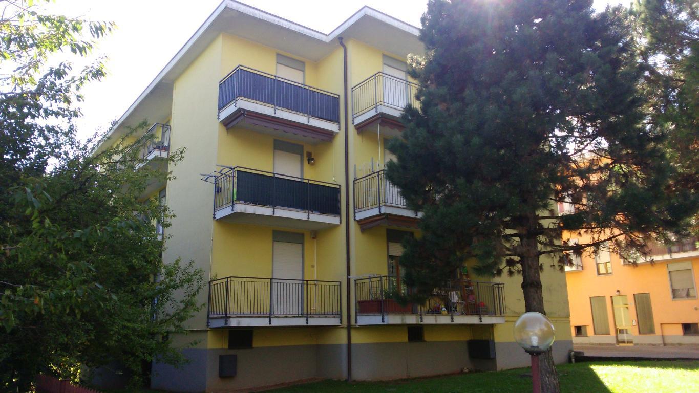 Appartamento in vendita a Casatenovo, 3 locali, zona Località: Semicentrale, prezzo € 76.000 | CambioCasa.it
