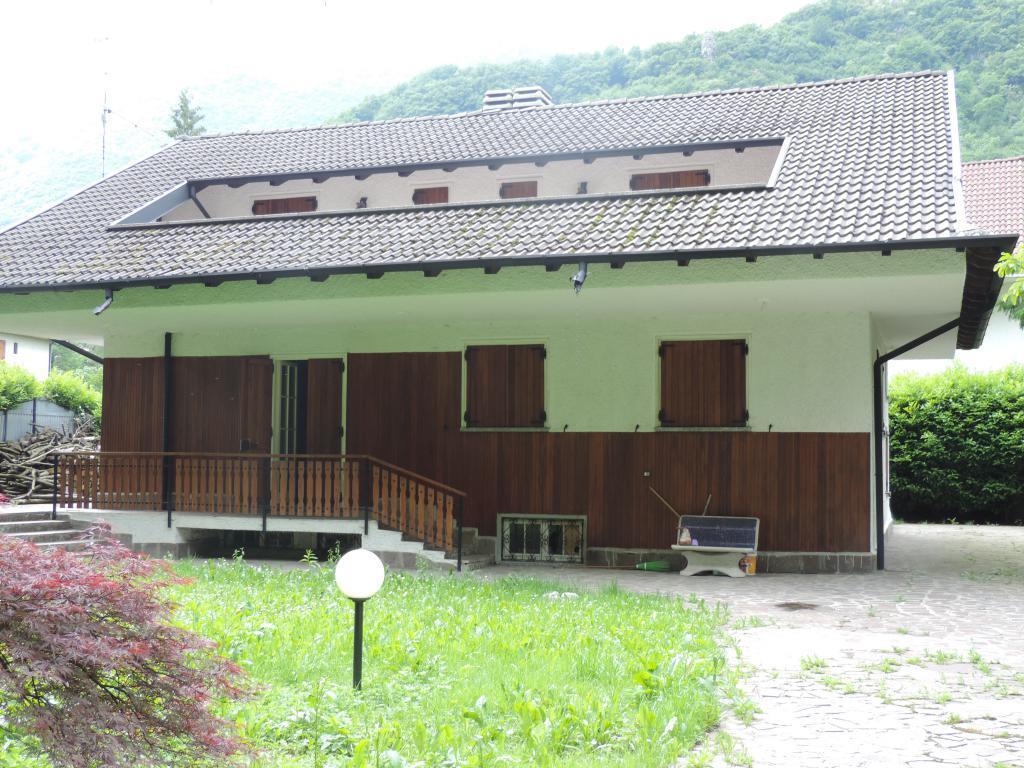 Villa in vendita a Ballabio, 5 locali, prezzo € 350.000 | Cambio Casa.it