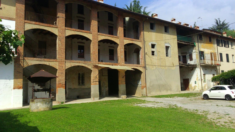 Rustico / Casale in vendita a Monticello Brianza, 2 locali, prezzo € 36.000 | CambioCasa.it