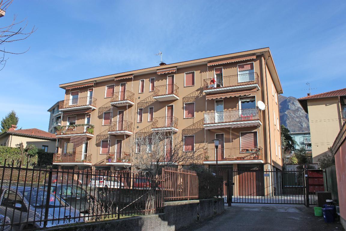 Bilocale Mandello del Lario Via Oliveti 10