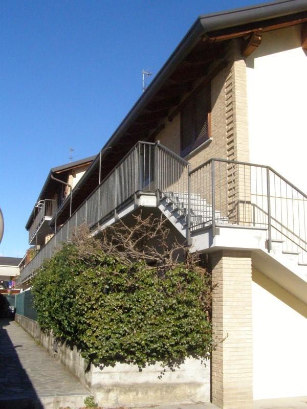 Bilocale Giussano Via Mameli 5 1