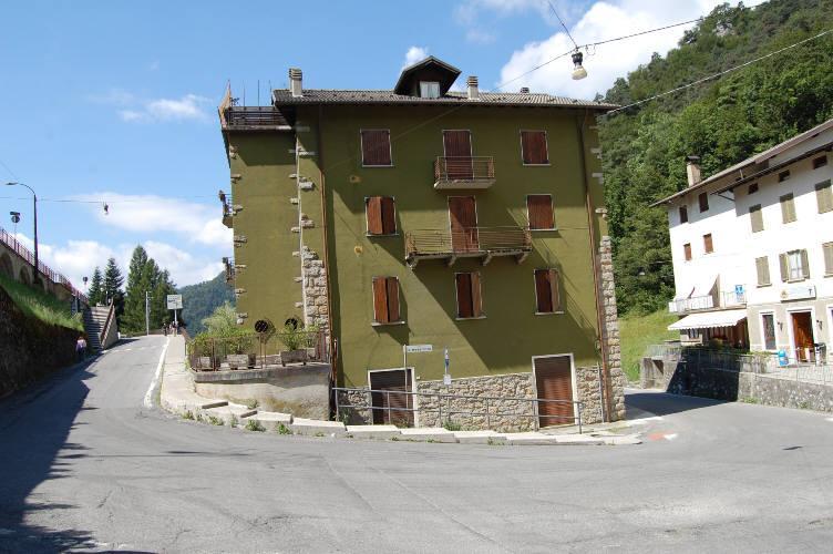 Appartamento in vendita a Piazzatorre, 3 locali, zona Località: Centro, prezzo € 48.000 | CambioCasa.it