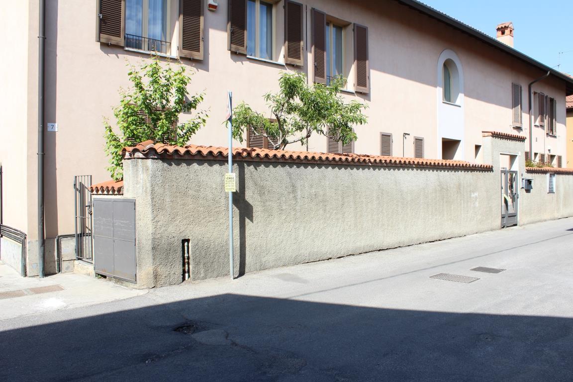 Bilocale Vimercate Via Vallicella 7/A 1