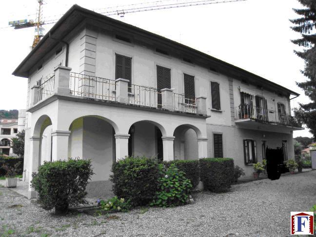 Villa in vendita a Cisano Bergamasco, 4 locali, zona Località: Centro, prezzo € 220.000 | Cambio Casa.it