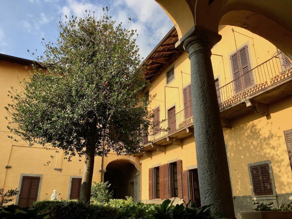 Rustico / Casale in Vendita a Villa d'Adda