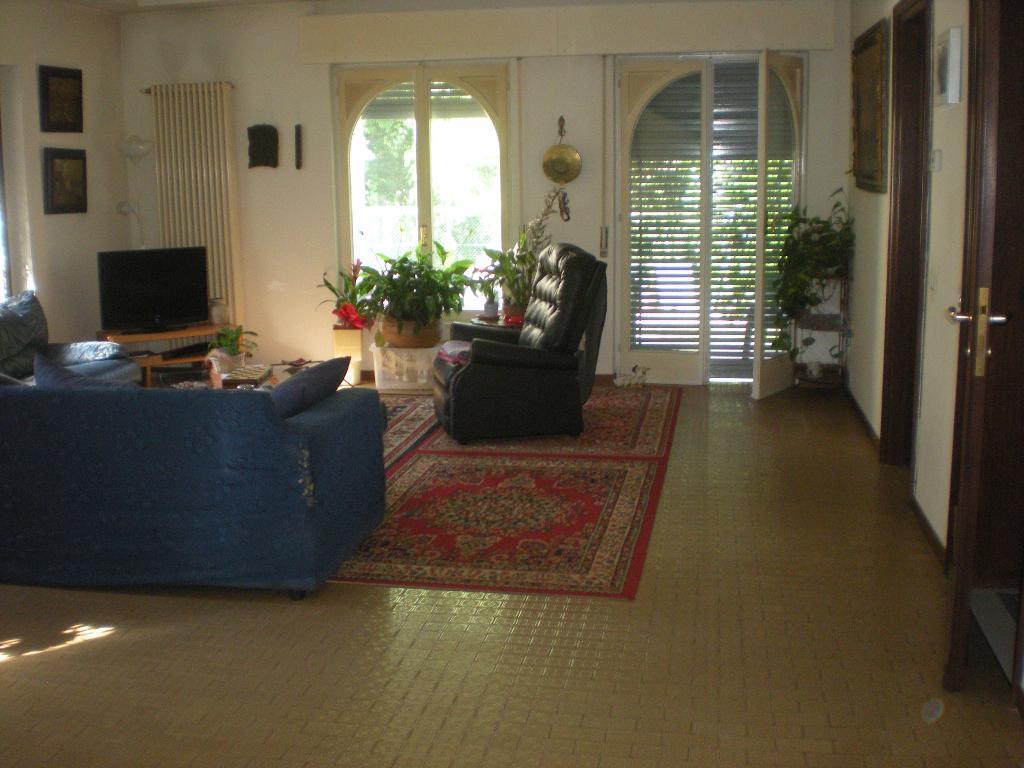 Villa in affitto a Lurate Caccivio, 5 locali, prezzo € 1.200 | Cambio Casa.it