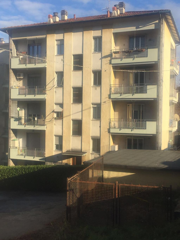 Appartamento in vendita a Varese, 3 locali, prezzo € 85.000 | Cambio Casa.it