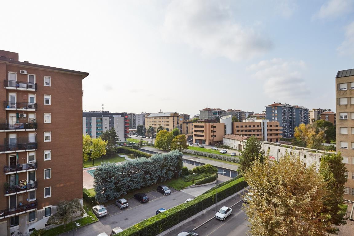 Bilocale Milano Via Gianicolo 1