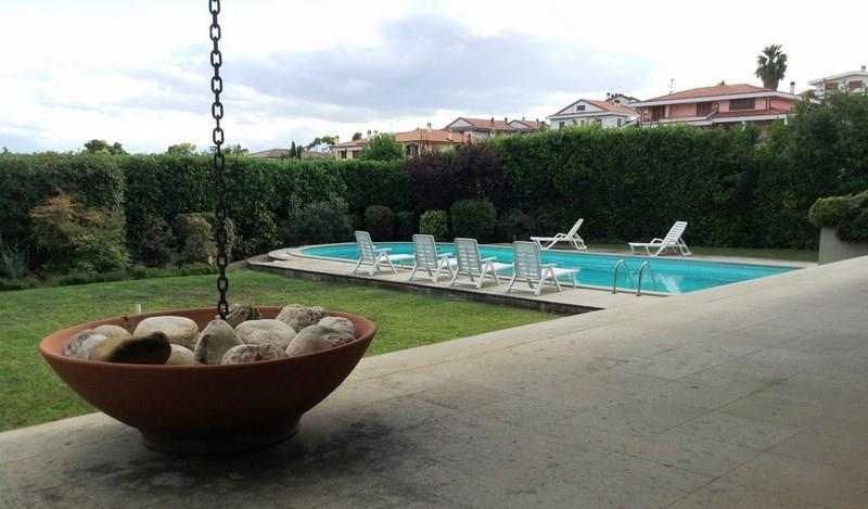 Villa in vendita a Citt� Sant'Angelo con vista mare