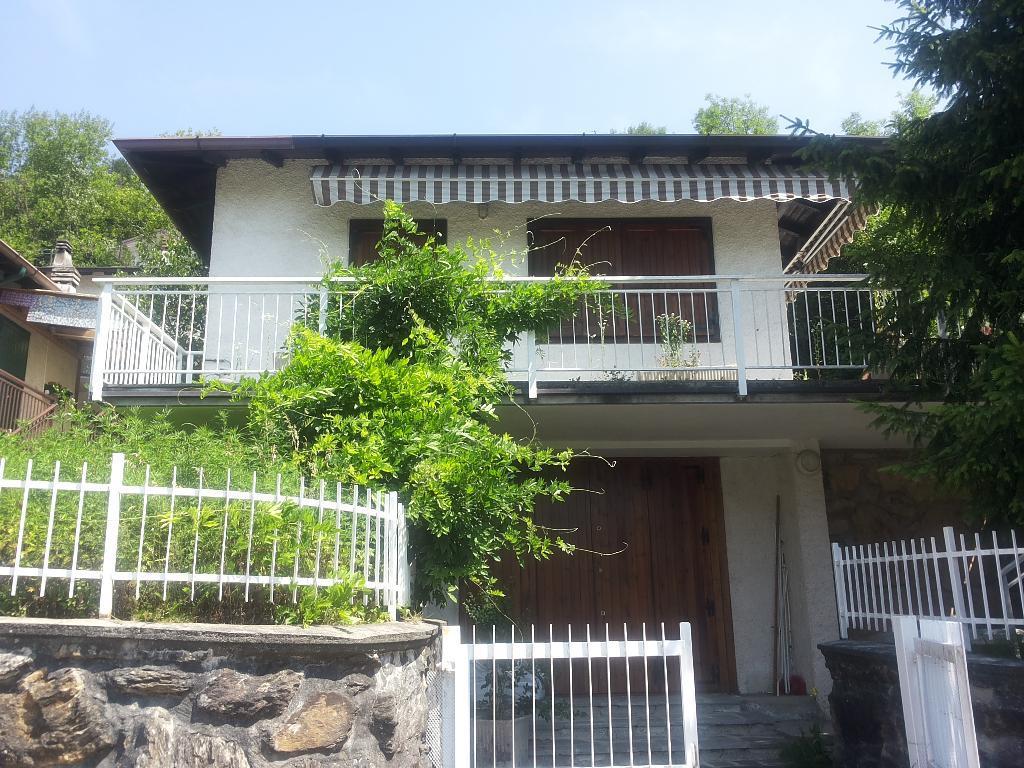 Soluzione Indipendente in vendita a Crandola Valsassina, 3 locali, prezzo € 134.000   CambioCasa.it