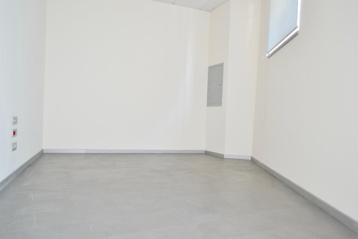 Negozio Affitto Cisano Bergamasco 4393