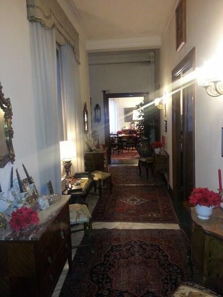 Vendesi ampio e prestigioso appartamento in zona Parioli a Roma