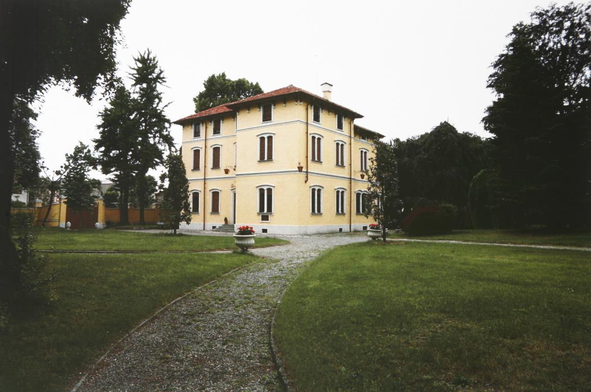 Villa in vendita a Mezzago, 14 locali, prezzo € 440.000 | Cambio Casa.it