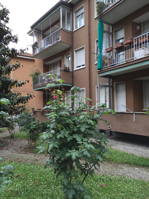 Bilocale Monza Via Pitagora 7 1